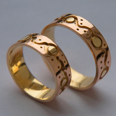 Ojibwe-wedding-rings-Giizisoog-niimiiding