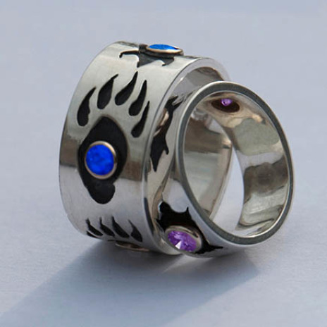 Gidoodeminaanig Ojibwe-style wedding bands by Zhaawano